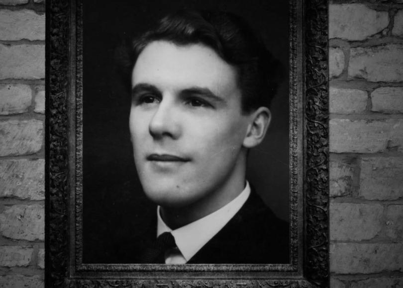Leonard Ravenhill black and white