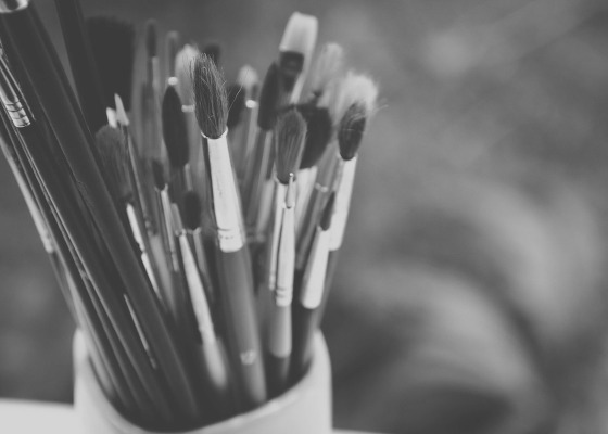 Paint brushes black and white