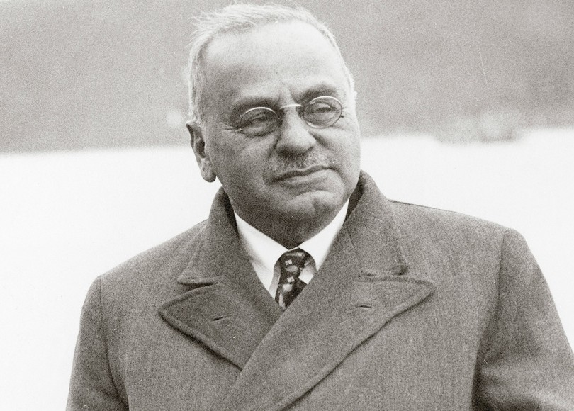 A black and white photo of Alfred Adler